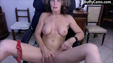 muscle mature granny